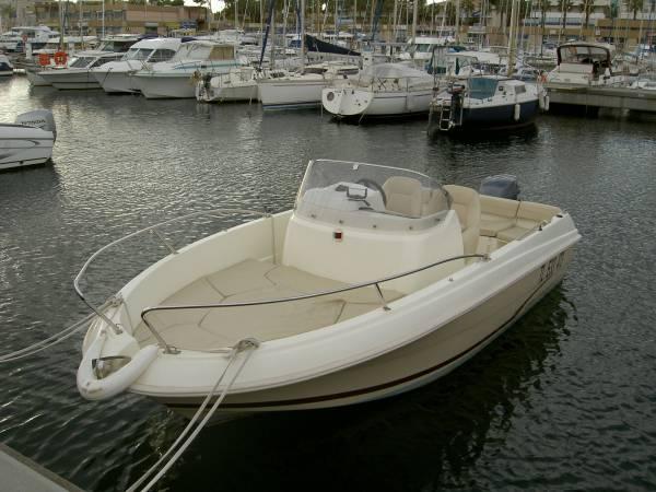 vente de bateau semi rigide neuf pas cher carqueiranne bat sud. Black Bedroom Furniture Sets. Home Design Ideas